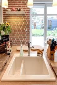 spüle in landhausküche landhausküche haus küchen küche