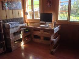 fabriquer un bureau avec des palettes caisse en palette cool que faire avec des palettes de meuble en