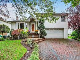 100 Houses For Sale Merrick Home Value Estimate For 12 DUNSTAN DR MERRICK NY REMAX