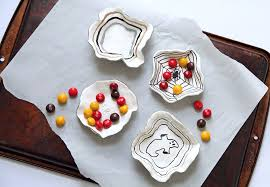 Halloween Candy Dishes by Diy Candy Buffet U2014 Runway Chef