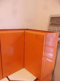 küche ecke schrank orange jahre 60 zwei metalltüren 1380