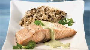 cuisiner filet de saumon filets de saumon minute à la sauce au cresson recettes iga