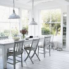 Luxurious White Rustic Dining Room Design And Table At