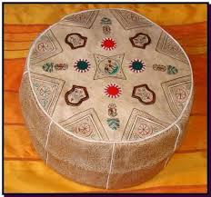 pouf marocain pouf en cuir pouf design decoration marocaine