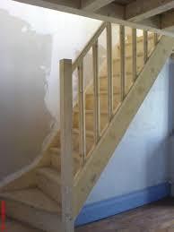 beton cire sur escalier bois aménagement decoration escalier interieur bois
