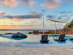 100 Resorts With Infinity Pools Lovely Beachfront Studio Retreat W Resort Access Infinity Pool