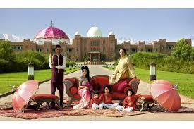 canape indien taj palace chez les maharadjahs de marrakech