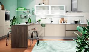 küche in der trendfarbe grün frisch natürlich modern
