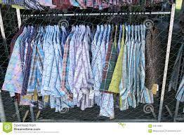boutique la corde a linge les vêtements façonnent accroche la corde à linge dans l usage de