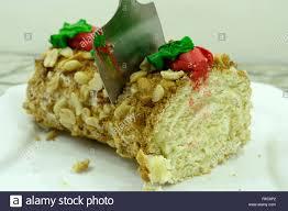 keine rolle kuchen backen schokolade gefüllt mit kokosmilch