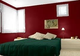 farbkombination schlafzimmer wandfarben in rot rubinrot