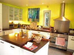 cuisine et maison cuisine peinte en jaune chaios com