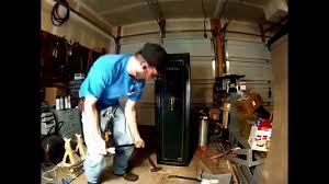 Stack On Security Cabinet 8 Gun by Stack On Gun Safe Pry Test Open In Minutes Youtube