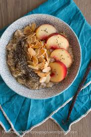 veganes pfirsich mandel porridge mit chia vanille feed
