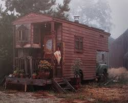 Old Trailer House 1Funny