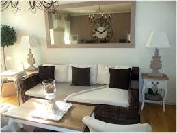 canapé shabby chic canapé shabby 25 idee deco salon blanc d co et meubles shabby chic
