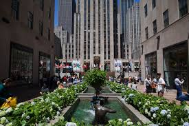Christmas Tree Rockefeller Center 2018 by Things To Do In New York City The Westin New York Grand Central