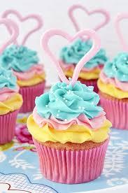 Tri Color Lemon Coconut Cupcakes In Spanish