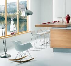 chaise pour plan de travail un plan de travail coulissant donnera plus d espace dans votre