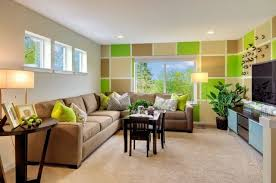 zimmer braun beige und grün haus deko dekor gemusterte wand