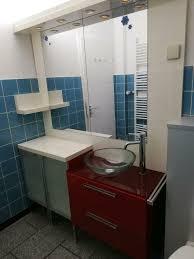komplett badezimmer möbel gebraucht glas waschbecken wasserhahn