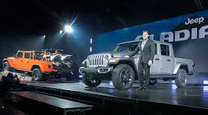 Jeep Brings Gladiator To Small-Truck Fight After Market Doubles ...