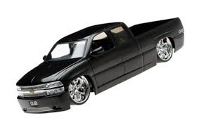 100 Chevy Silverado Toy Truck Bit Store USA 2002 Diecast Model 118 Scale