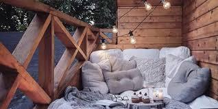 schöne terrasse idee für gemütliche sitzecke mit bodenkissen
