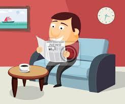 fototapete glücklicher mann liest eine zeitung auf dem sofa im wohnzimmer