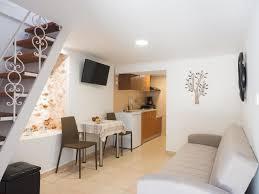 100 Maisonette House Evans II One Bedroom Evans