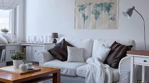 im wohnzimmer landeskunde sofa sessel und tisch dw