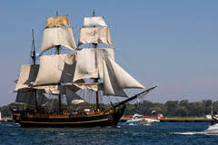 Hms Bounty Sinking 2012 by Hms Bounty Editorial Photo Image Of Fire Blue Sailor 27390281