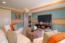 wand streichen ideen wohnzimmer streifen hellblau orange