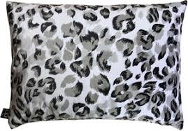 casa padrino luxus wohnzimmer deko kissen milwaukee weiß schwarz grau 35 x 55 cm feinster samtstoff luxus kollektion möbel direkt bestellen