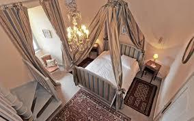 chambres d hotes au chateau maison d hôtes auvergne dormir au château de saturnin