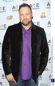 Halloween Wars Season 4 Host by American Idol U0027 Matt Rogers To Host New Reality Show U0027summer Camp U0027
