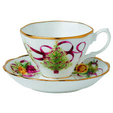 Spode Christmas Tree Mugs With Spoons by Amazon Com Old Country Roses Christmas Tree Teacup And Saucer Set