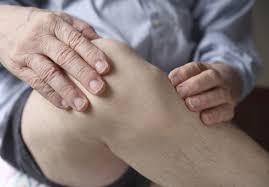 genou gonflé causes signes examens prise en charge ooreka