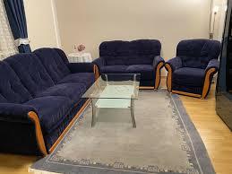 sofa set blau wohnzimmer samt sehr guter zustand mit vitrine