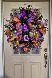 Halloween Door Decorations Pinterest by Best 25 Holiday Wreaths Ideas On Pinterest Diy Wreath Holiday