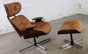 Mid-Century Modern Plycraft Eames-Style Lounge Chair And ... Plycraft Lounge Chair Offeverydayclub Vintage Mr Chair Swivel For Plycraft In Walnut And Metal 1960 Signed After Eames Herman Miller Style Lounge Base House Examples Source Ottoman Excellent Cdition Mid Century Modern Small 1960s 1st Edition By George Mulhauser Ottoman 55 Off Chairs Eamesstyle Usafully Stored