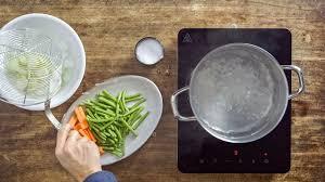 cuisine blanchir how to blanchir des légumes astuces pour les courgettes les