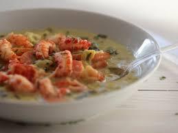 cuisiner des ecrevisses nage safranée d écrevisses aux légumes recettes de fête nager et