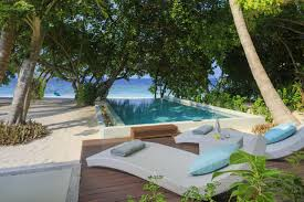 100 Dusit Thani Maldives Mudhdhoo