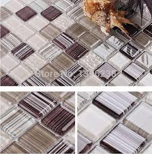 carrelage cuisine mosaique brun cuisine mosaïque de verre carrelage mural salle de bains