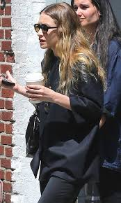Mary Kate And Ashley Olsens Anonymous Blog Style Fashion Get The Look