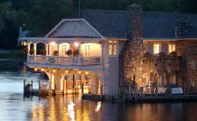 Boathouse Bed and Breakfast Stay ON Lake George