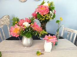 Summer Wedding DIY Projects Creative Ideas Bright Bouquets Centerpieces