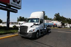 2019 FREIGHTLINER CASCADIA 126 LIFT AXLE (COMING SOON!) - McCoy ... 1973 Oregon Jaycees White Freightliner Show Truck Timber Industry Grills Volvo Kenworth Kw Peterbilt Innovate Daimler Vocational Trucks Amt 1004 Sd Tractor 125 New Truck Model Kit The Cascadia Specifications Endless Cabovers Unveils New Cabover Photo Collection That Will Knock Your Socks Off 1970 Coe 2015 Used Ca125slp 60xt At Great Lakes Western Star Antique