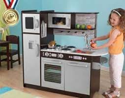 jouer a la cuisine comment encourager mon enfant à manger des légumes et des fruits
